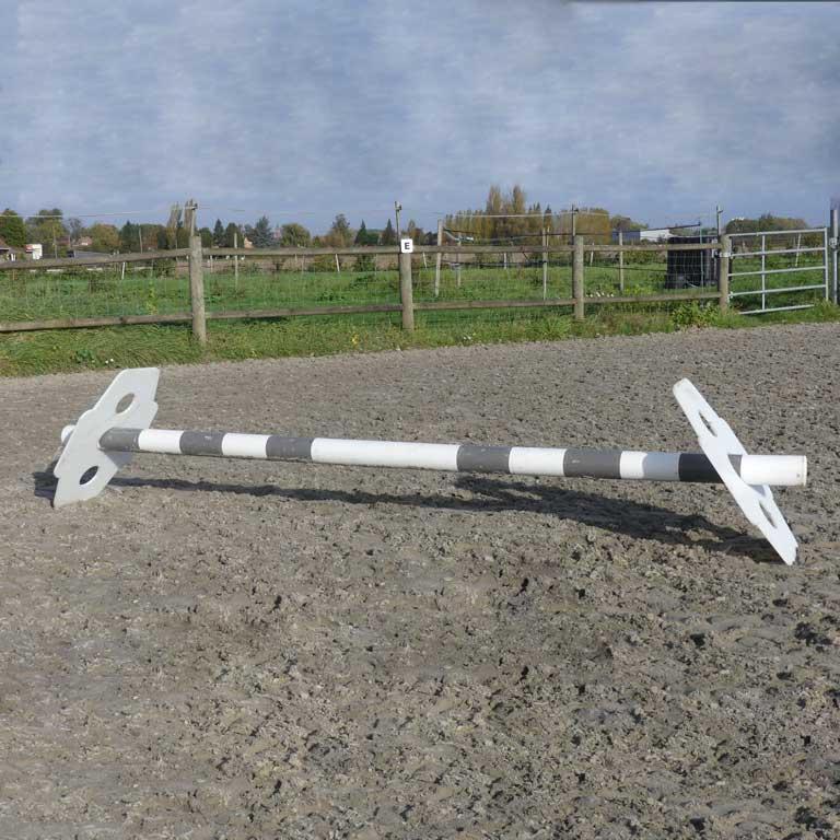 obstacle équitation cavaletti double