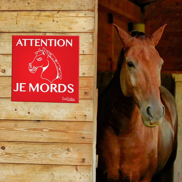 panneau attention je mords pour cheval