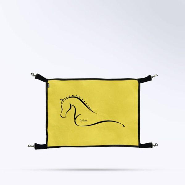 porte de box jaune pour chevaux de la marque Boxprotec