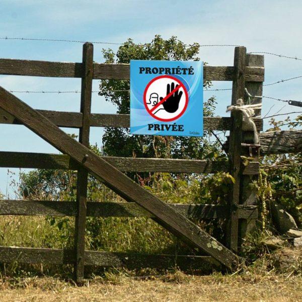 panneau accès interdit propriété privée