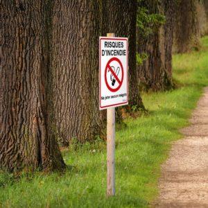panneau risques d'incendie interdit de fumer
