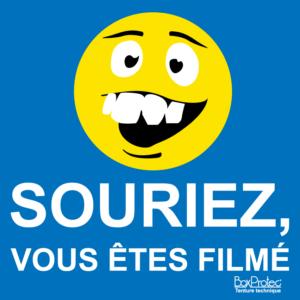 BOXPROTEC - panneau / autocollant / stickers / film / souriez vous êtes filmés / smiley