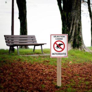 panneau interdit aux déjections canine