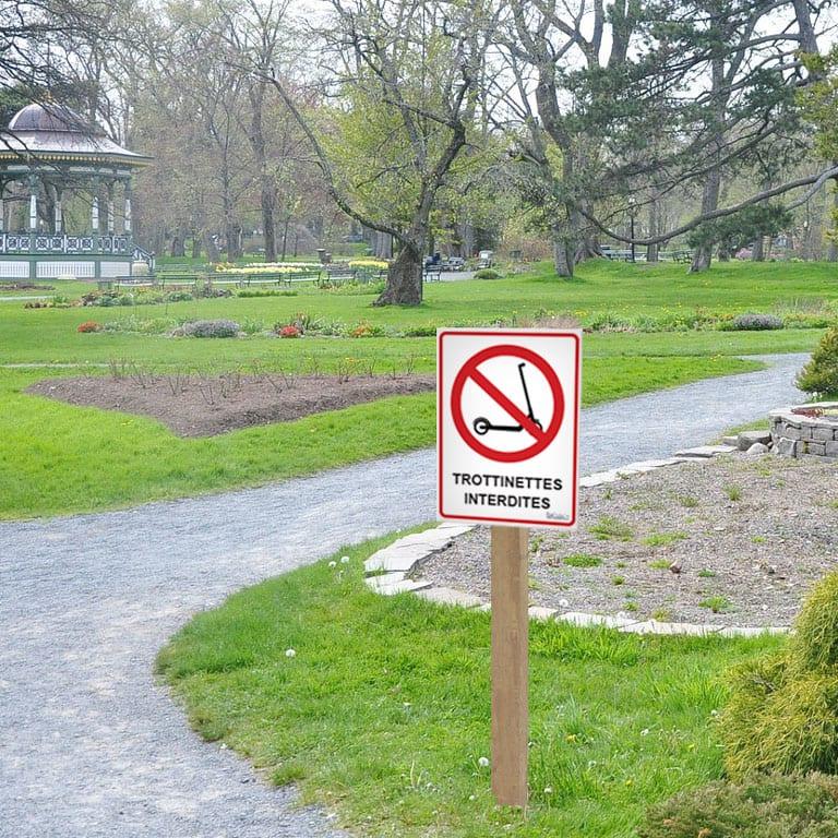 panneau interdit aux trottinettes