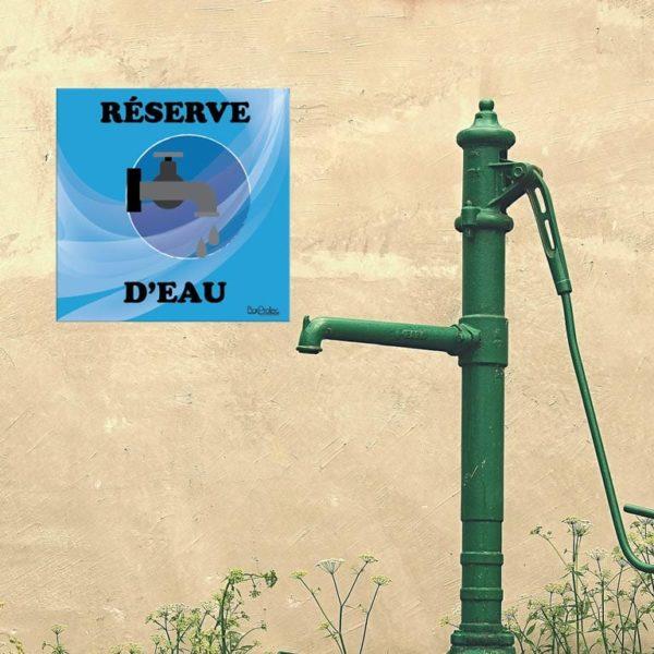 panneau réserve d'eau robinet